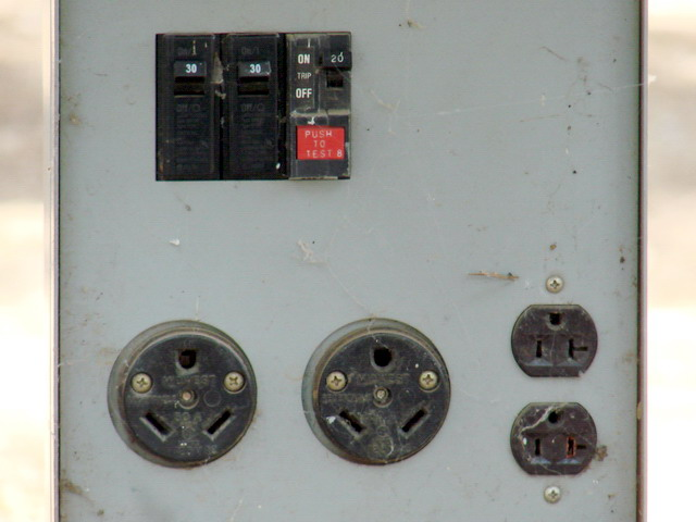 Installing electrical outlets in mobile homes for Outlet mobile